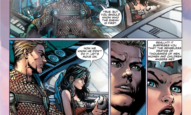 Aquaman giving advice to wonder woman