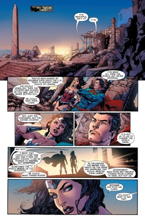batman talks to superman and wonder woman about their relationship