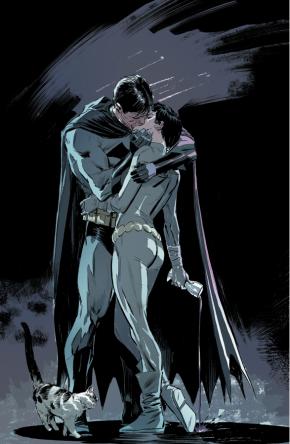 Batman Kisses Catwoman (Batman Vol. 3 Annual #2)